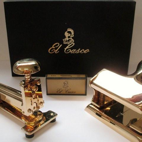 El Casco: M-15 stapler and M-200 hole punch
