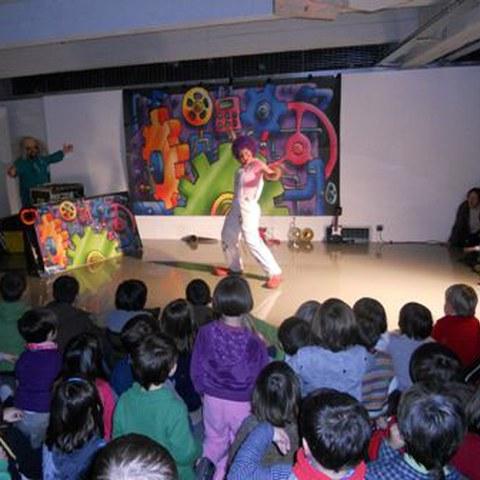 Gran éxito de participación en el espectáculo de teatro infantil