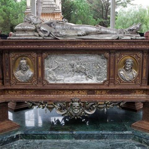 Restaurado el panteón del general Prim