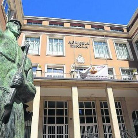 200 enpresatik gora Armeria Eskolak antolatutako jardunaldian