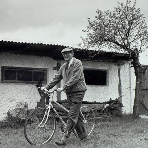 Miguel Delibes eta Eibar aldi baterako erakusketa